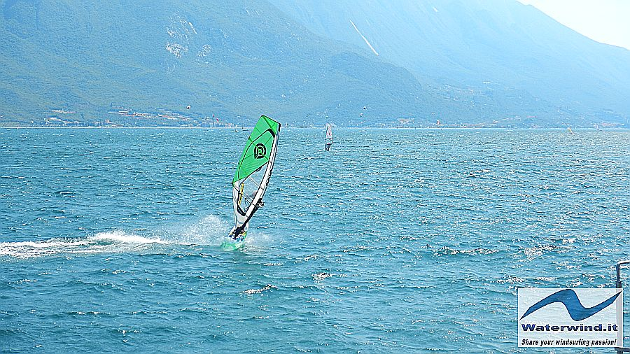 Windsurf session: Pier (Garda Lake)