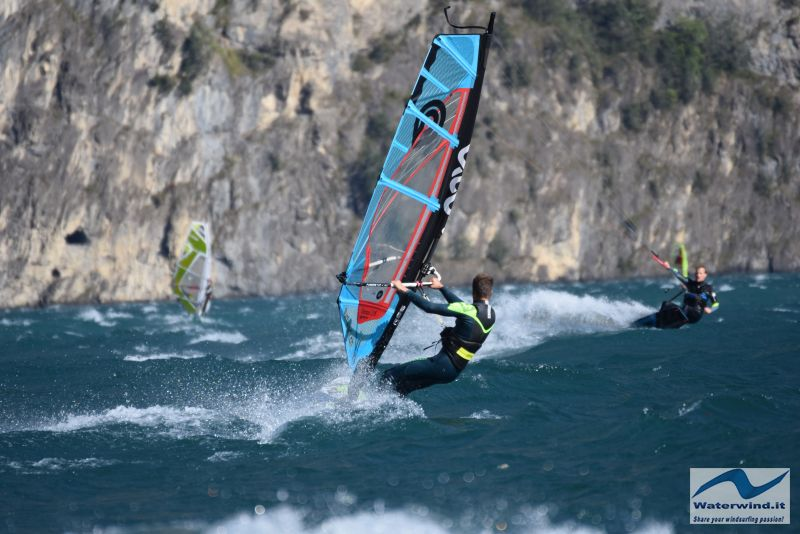 Windsurf Isleten Urnesee Switzerland 94