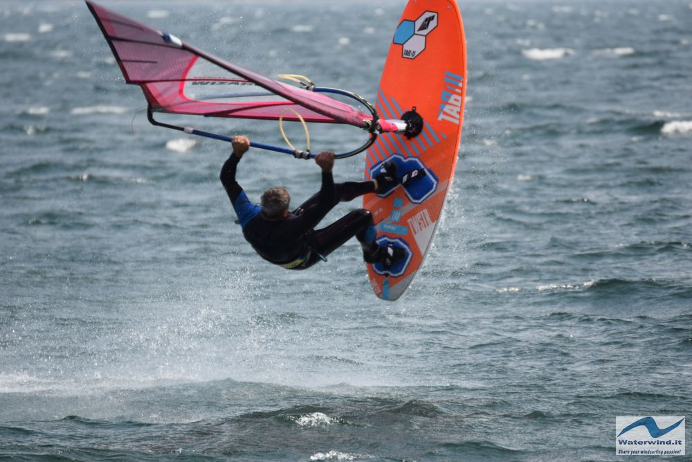 Windsurf Pianello Como 17
