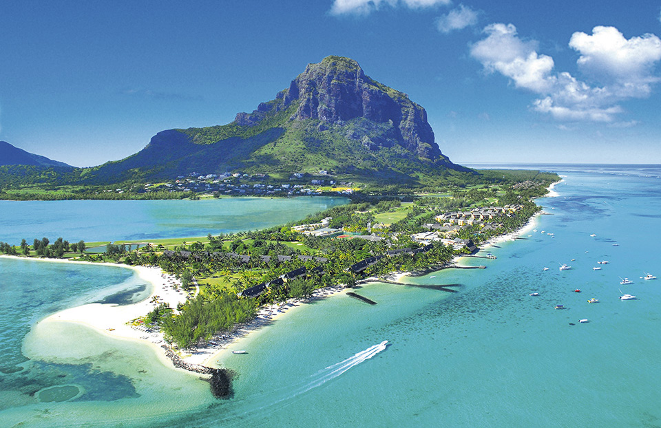 Sportif_luxury_hotels_Beach_Mauritius_Le_Morne.jpg