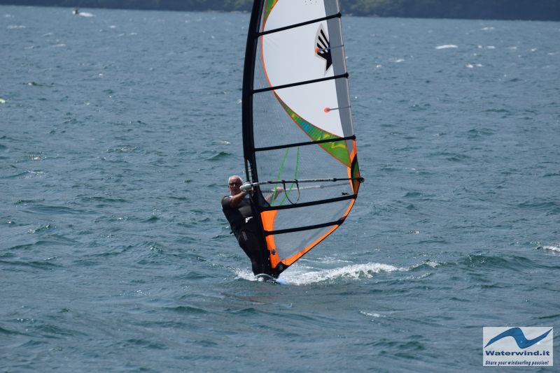 Windsurf_Lago_Como_Dervio_13.jpg