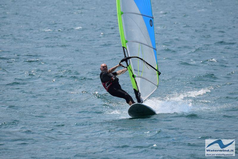 Windsurf_Lago_Como_Dervio_4.jpg