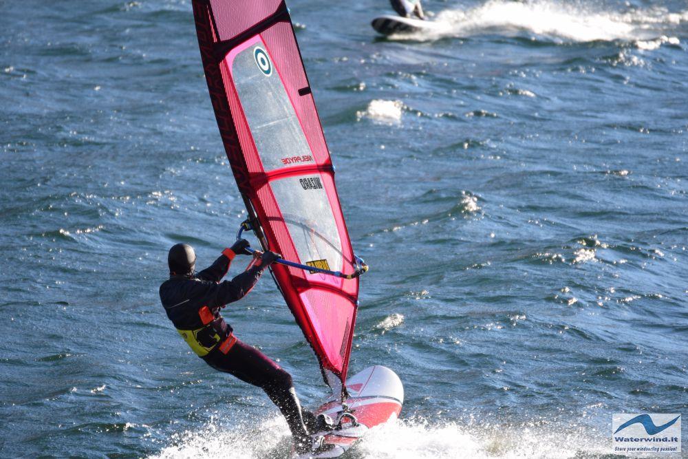 Windsurf_Valmadrera_Lago_Como_1.jpg
