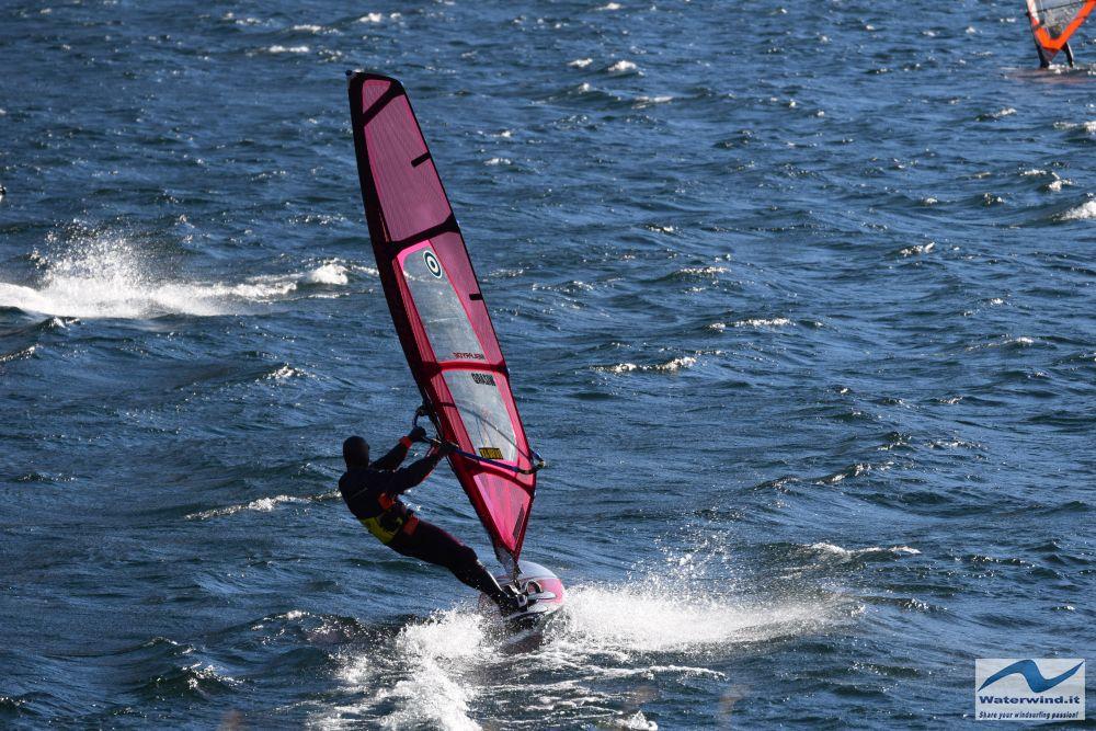 Windsurf_Valmadrera_Lago_Como_2.jpg