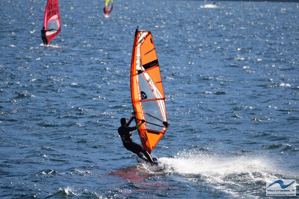 Windsurf_Valmadrera_Lago_Como_4.jpg